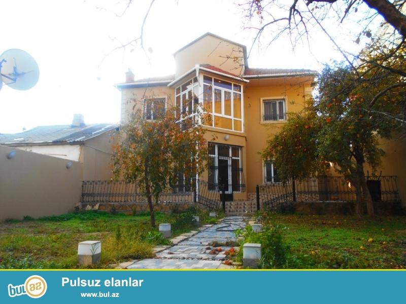**РУФАТ*АЙНУР**   В   очень  элитном   массиве,   в   поселке  Разино ,   продается   2-х  этажный  частный  дом, расположенный  на   6ти   сотах   земельного   участка ,   250 кв...