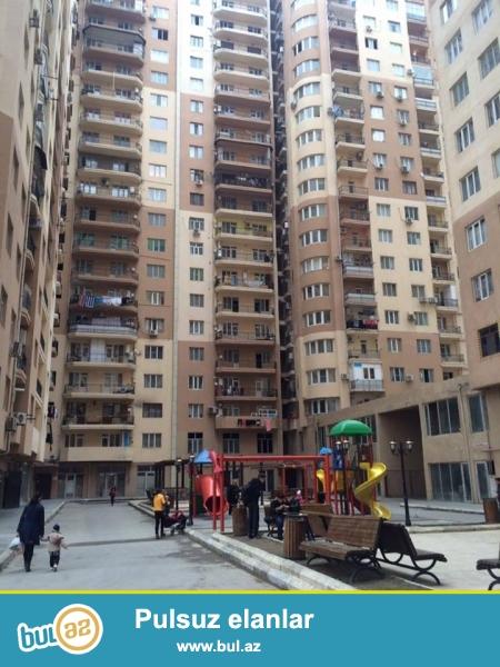 СРОЧНО!!! В районе Ени Ясамал, конечная остановка автобуса №77, в элитно-жилом комплексе с Газом продается 2-х комнатная квартира, 20/16, общая площадь 65 кв...