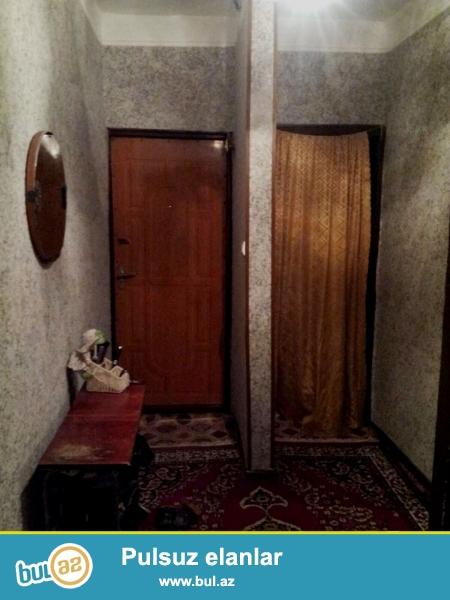 В Ени Ясамале, недалеко от медицинского колледжа №2  продаётся 4-х комнатная квартира...