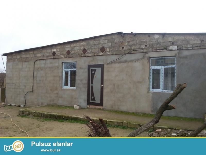 Maştağa qəsəbəsi Kirov dairəsində 4 otaqlı həyət evi satılır...