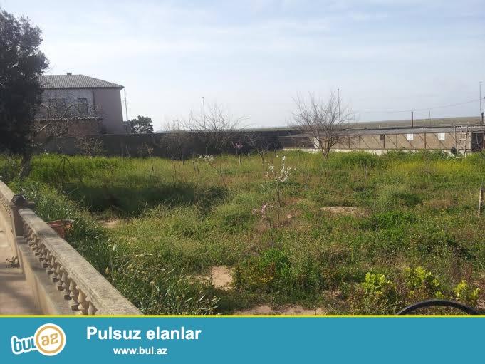 Xəzər r-nu,Xaşa-Xuna bağ sahəsi,dənizə  yaxın,25 sot torpaq sahəsində,ümumi  yaşayış sahəsi 190 kv...