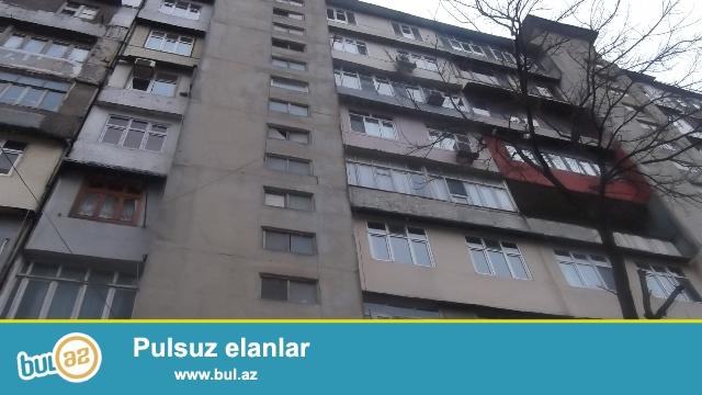 """Binəqədi rayonu, 9MKR, """"Sonalar Sonası"""" ş/s yaxınlığında, leninqrad  layihəli  binada , 3 otaqlı mənzil satılır..."""