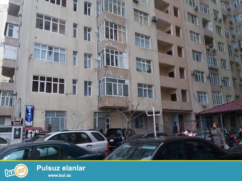 8 мкр, около д/т Зирва, в элитном, полностью заселенном комплексе с Газом и Купчей продается 2-х комнатная квартира, 20/7, общая площадь 87 кв...