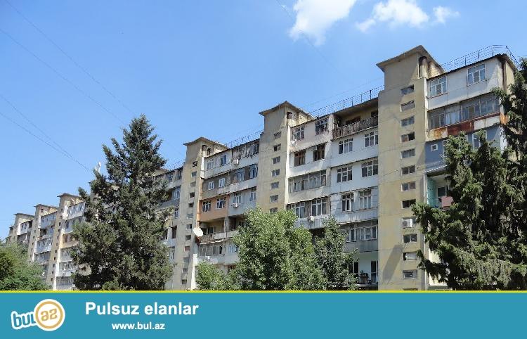 Cдается 3-х комнатная квартира в центре города, в Сабаильском районе, в поселке Баилова, рядом c морем...