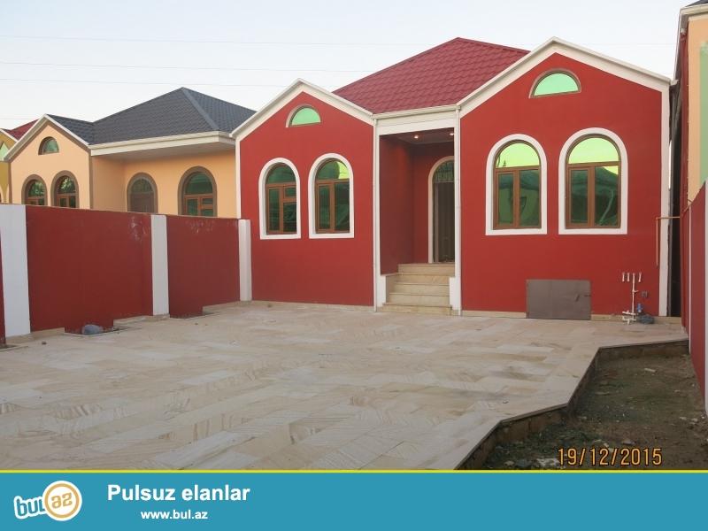 8 <br /> Masazirda 2.5 sotda 4 otaqli heyet evi satilir TECILI<br /> Masazirda Cantepe terede 142 N mawrutdan 50 metr aralida 2...