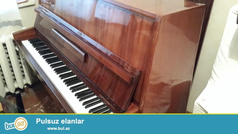 qehveyi  rengli  oktava  pianinosu  2 pedali  var