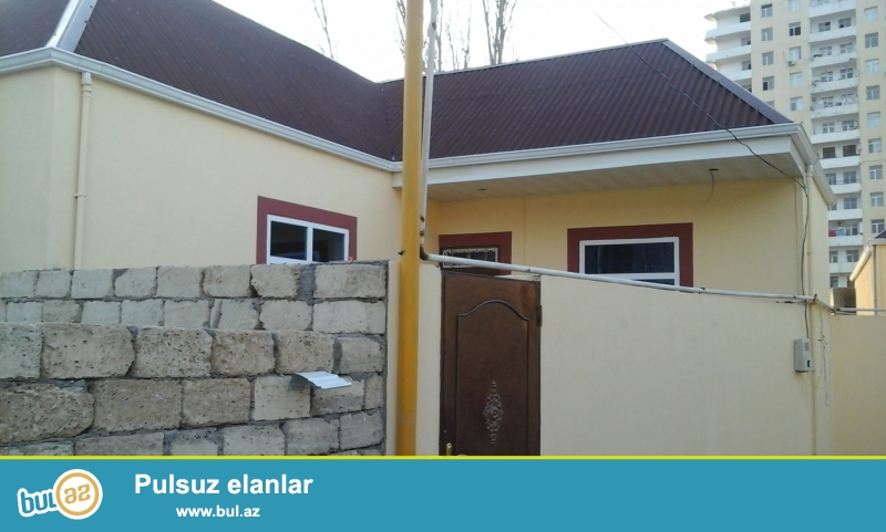 Продаётся частный 2-х комнатный дом недалеко от жилого комплекса AAAF парк в Хырдалане...