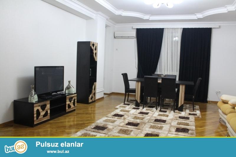 Yasamal Rayonu Naxçivani küçəsi Favorit Marketə yaxin,17/2 Ümumi sahəsi 150 Kv...