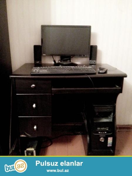 Masaüstü kompyuter satılır.<br /> Masa ilə birlikdə verilir,<br /> üstündə klaviatura, maus, kalonkalar da verilir...