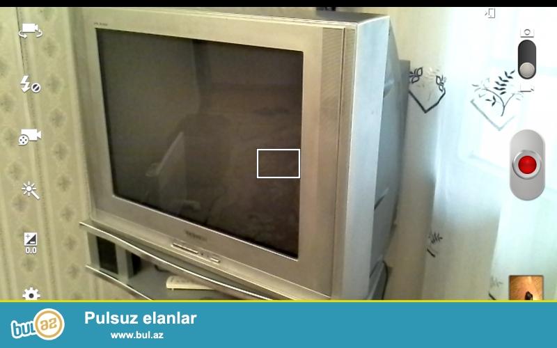 Ishlek veziyyetde Samsung televizoru satilir.Hech bir problrmi yoxdur.
