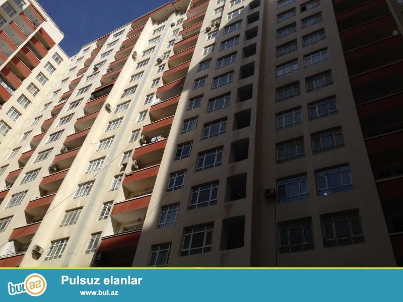 7 мкр, около рынка Боллуг, в элитном, полностью заселенном комплексе с Газом продается 3-х комнатная квартира, 17/7, общая площадь 109 кв...