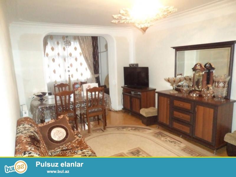 Cдается 3-х комнатная квартира в центре города, в Ясамальском районе, рядом с метро Иншаатчилар...