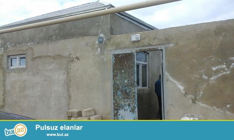 Sabunçu rayonu, Maştağa qəsəbəsində əsas yoldan 100 metr məsafədə  1...