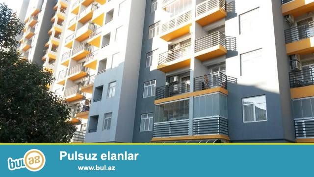 1 мкр, около д/т Агдаш, в заселенном комплексе с Газом сдается 2-х комнатная квартира, 12/5, общая площадь 81 кв...