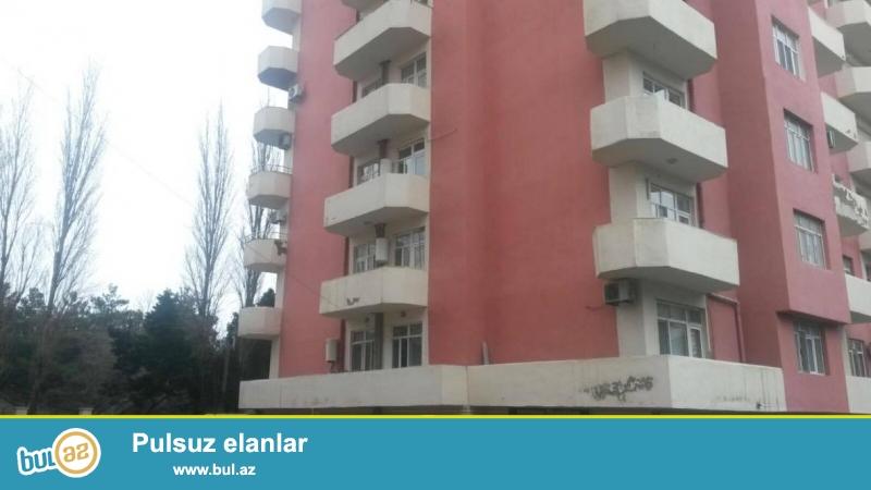 6 мкр, около клиники З. Алиева, в полностью заселенном комплексе продается 3-х комнатная квартира, 16/9, общая площадь 100 кв...