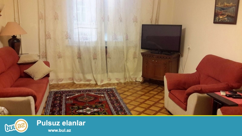 Cдается 3-х комнатная квартира в центре города, в Сабаильском районе, по улице Низами (Торговая), рядом с магазином «Adidas»...