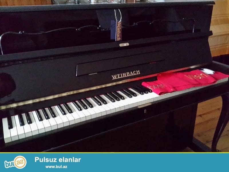 ela veziyetde cexiya istehsali, figurni ayagli, instruktasiyali, cox nadir rast gelinen, kamertona koklenmish Weinbash pianinosu.