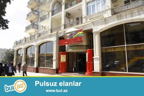 Сдается 1 комнатная квартира в центре города, в Ясамасльком районе, рядом с метро Низами, над рестораном «5 Газан»...