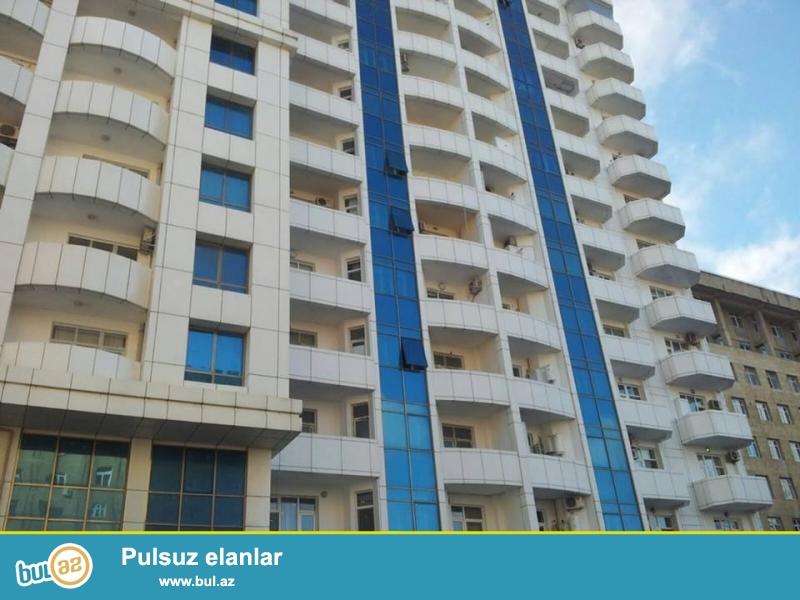 Очень срочно!!! На пр. Нариманова, около т/к «Лидер» в элитно-жилом комплексе «Гоша Парк» от «Гилан Иншаат» продаётся 3 комнатная квартира, 9-ой этаж с идеальной панорамой на город, общая площадь 126 кв...