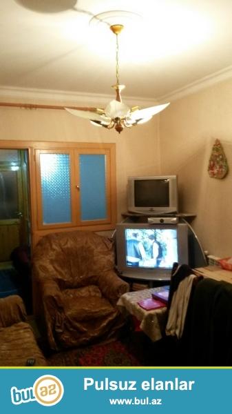 Продается 1 комнатная квартира переделанная в 2-х в Сураханском районе, в поселке Ени Гюнешли, рядом с поликлиникой и «Balli» маркетом...