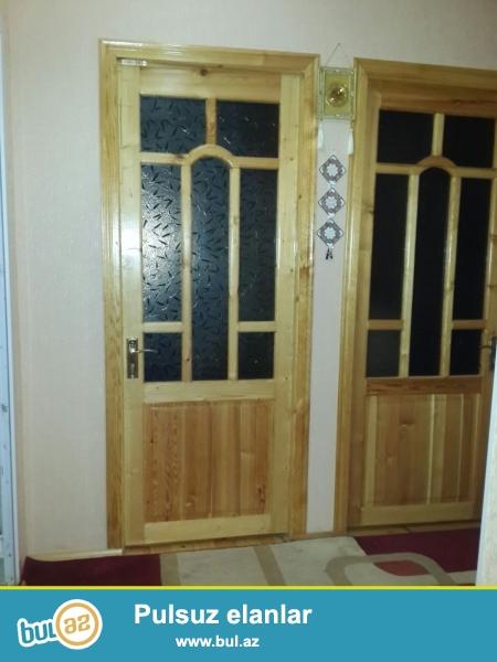 Xırdalan şəhərində, AAAF - ın yanında , 7 nömrəli məktəbin yanında 2 mərtəbəli həyət evi satılır...