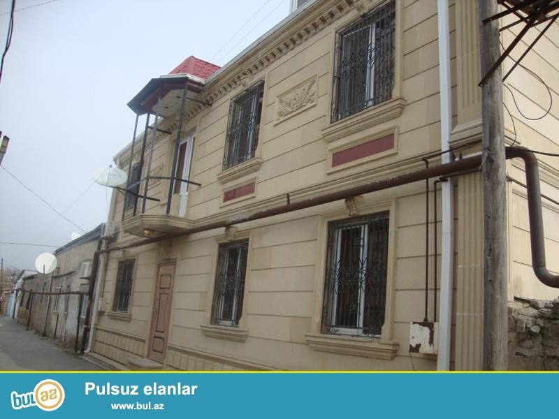 ПРОДАЁТСЯ двухэтажный  каменный дом в Ясамальском районе, по улице Аббасмирзы Шарифзаде 50...