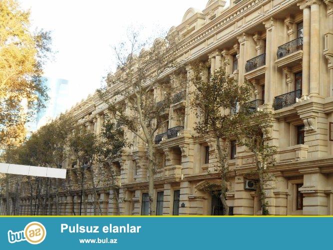 Сдается 2-х комнатная квартира в центре города, в Сабаильском районе, рядом с кинотеатром «Азербайджан» ...