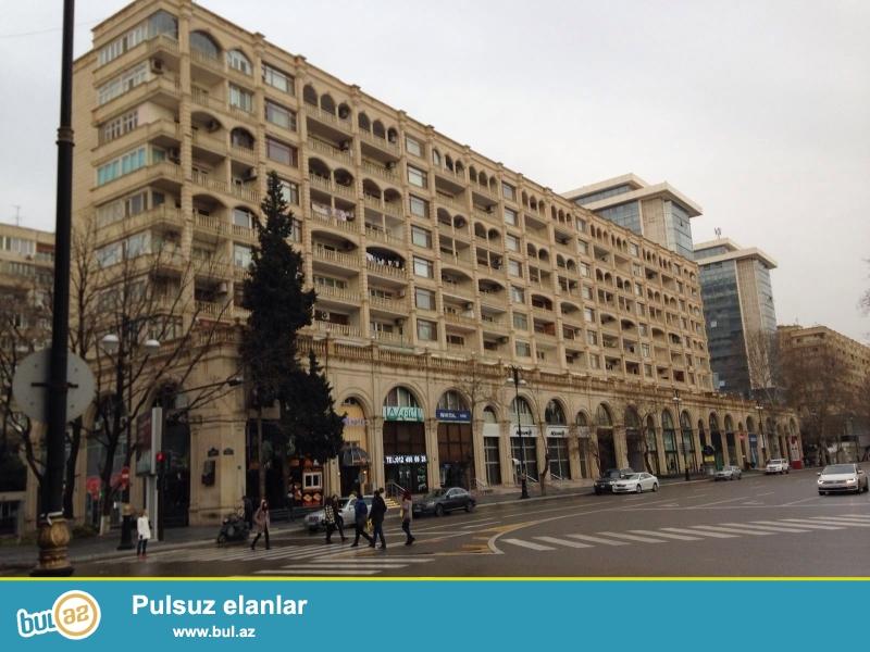 Cдается 2-х комнатная квартира в центре города, в Сабаильском районе, за Дом Советом ...