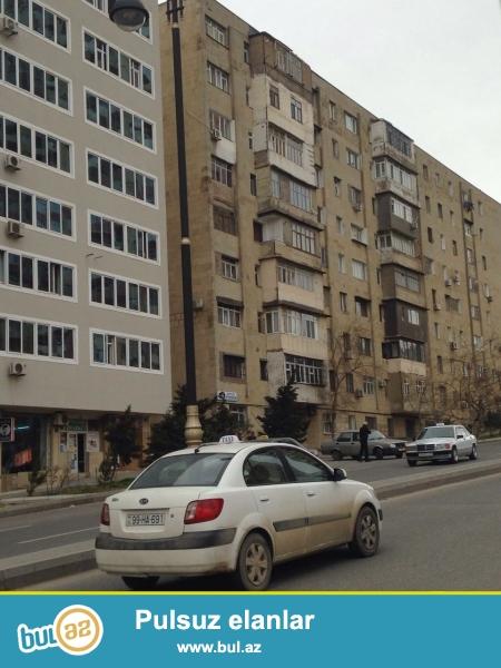Cдается 3-х комнатная квартира в центре города, в Ясамальском районе, по проспекту Зардаби, рядом с озером...