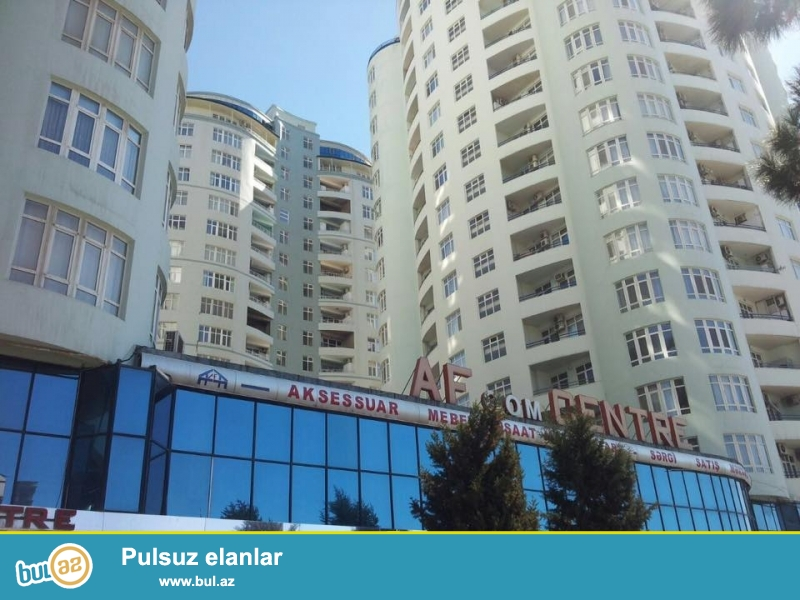 В центре, около Цирка, в элитном комплексе сдается 4-х комнатная квартира, 19/17, общая площадь 245 кв...