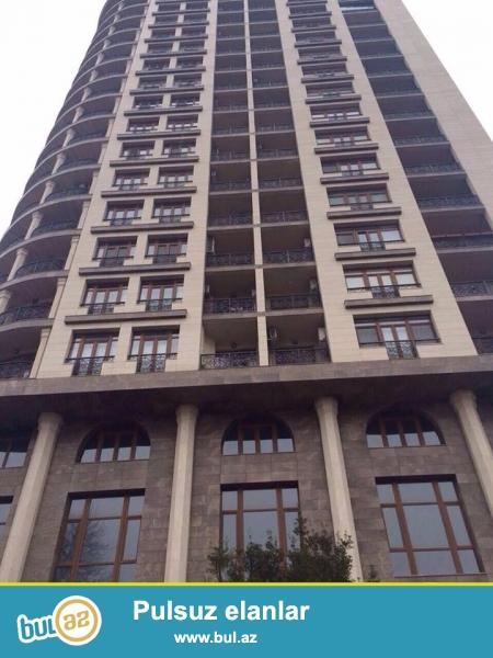 Продаётся 3-х комнатная квартира в центре города, по пр...