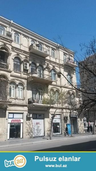 Сдается 3-х комнатная квартира в центре города, в Сабаильском районе, на пересечении улиц С...