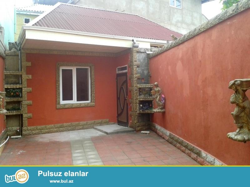Təcili olaraq 2 otaqlı tam təmirli həyət evi satılır... ev 70 kvadrat.. 2 maşın yerləşən həyəti var...