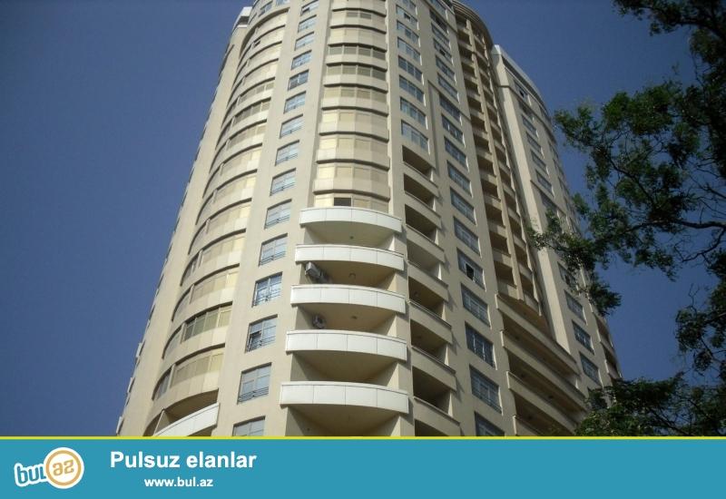 Новостройка! Cдается 4-х комнатная квартира в центре города, в  Ясамальском районе, по проспекту Строителей в престижном комплексе «Гюнюш МТК»...