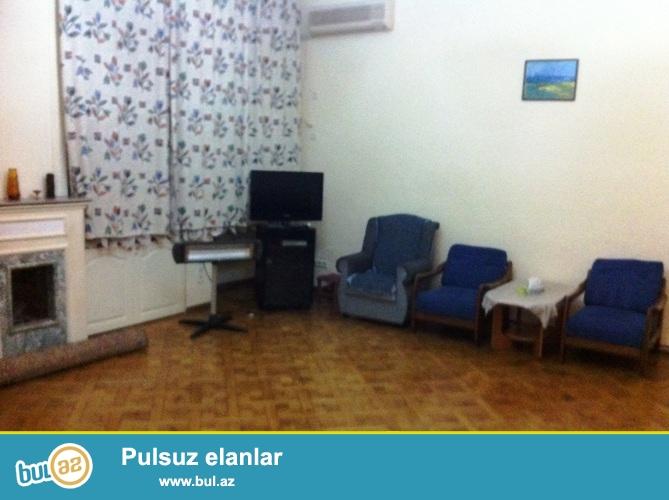 Сдается 2-х комнатная квартира в центре города, в Насиминском районе, рядом с кинотеатром «Низами»...