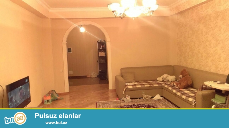 Новостройка! Cдается 3-х комнатная квартира в Бинагадинском районе, в 8 МКР-е, рядом с метро Азадлыг...
