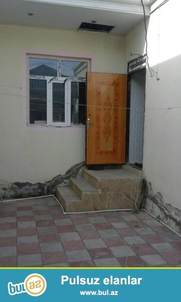 Xırdalan şəhərində Uğur marketin yanında 1 sotun içində 3 otaqlı həyət evi satılır...