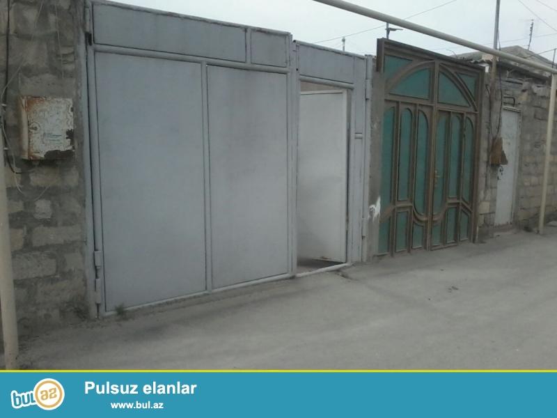 Sabuncuda 155 nomreli mektebe yaxin, 2 otaqli, hamam tualet bir yerde ev satilir...