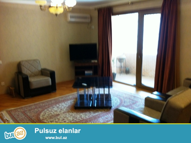 Сдается 3-х комнатная квартира в центре города, в Ясамальском районе, за МИД-ом, рядом с Турецким лицеем...