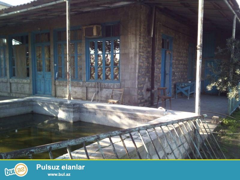 Mastgada palma marketin arxasinda bag evi satilir 6 sotda 4 otaq 120kv/m olan bag evi satilir 35...