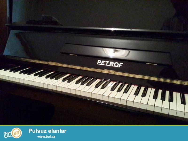 Əla veziyetde Belarus,Petrof, Weinbash... pianinosu, royal, tar, keklenmish, nizamlanmish veziyetde...