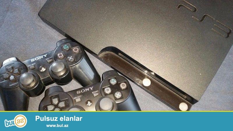 PlayStation 3(poroşifkasız) + 2 joystick + Pes2016myclub + Grand Turismo 5