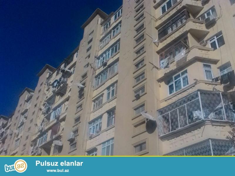 """Binəqədi rayonu, 8 mkr, """"Şahin Şah"""" ş\s yaxınlığında , kiev layihəli binada 3 otaqlı mənzil satılır..."""