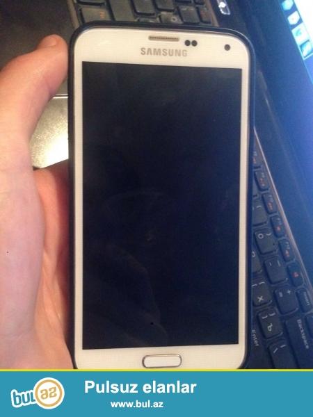 Samsung S5 Satiram ag rengdedi Her seyi var ustunde<br /> Hec bir problemi yoxur<br /> Barter sadece Iphone 5sle dir<br /> 290 azn<br />