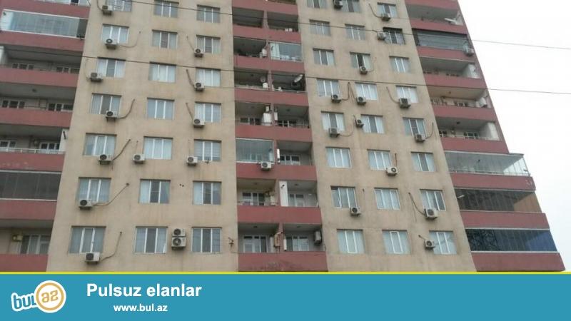 ЭКСКЛЮЗИВ!!! 9 мкр, около д/т Лейла, в жилом, полностью заселенном комплексе с Газом продается 2-х комнатная квартира, 16/9, общая площадь 88 кв...