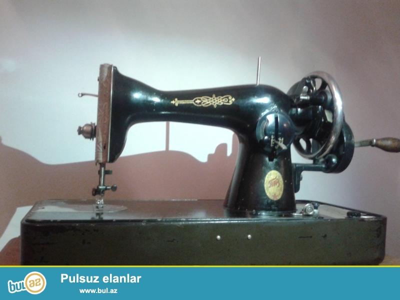 Qedimi tikis masini PMZ Podolsk (Singer) C2326179. Islek veziyyetdedir.