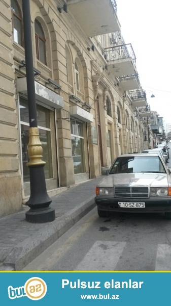 Сдается пустое помещение в центре города, в Сабаильском районе, по проспекту Азербайджан, рядом с ЦУМ-ом...