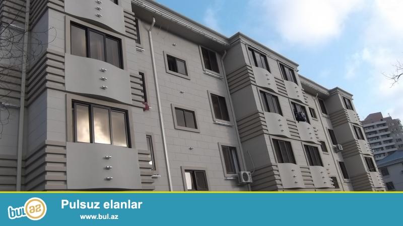 Yasamal rayonu, Inşaatçılar pr.,Statistika Komitəsinin yaxınlığında , daş binada 2 otaqlı mənzil satılır...