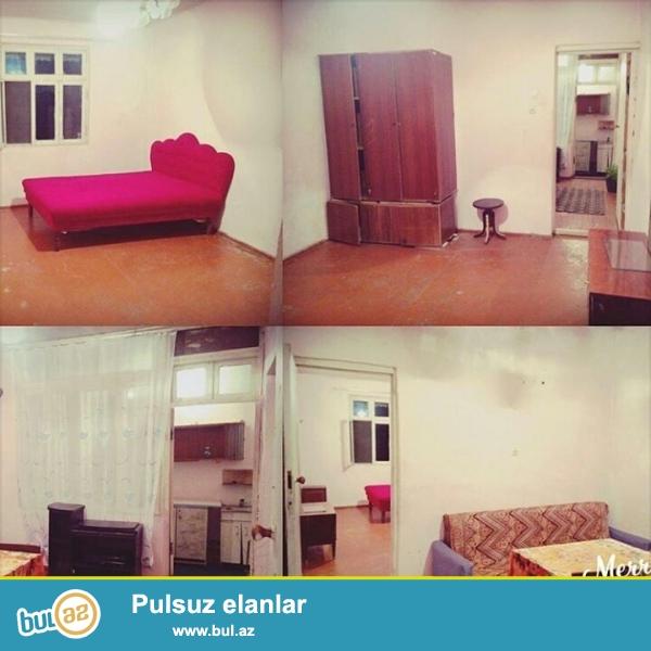 Fehle prospektinde 2otaqi umumi heyet evidir/ su seraiti var  iki ev bir hamamdan istifade edir.