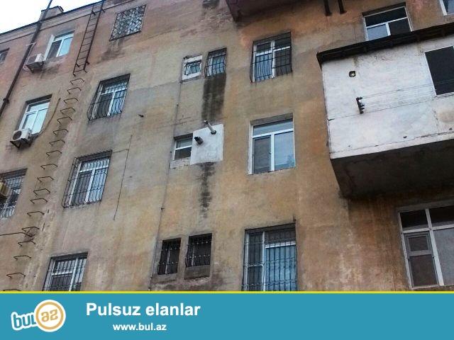 Nəsimi rayonu, 28 may metrostansiyasının yaxınlığında, Çin səfirliyinin yanında stalinka layihəli daş binada 3 otaqlı mənzil satılır...